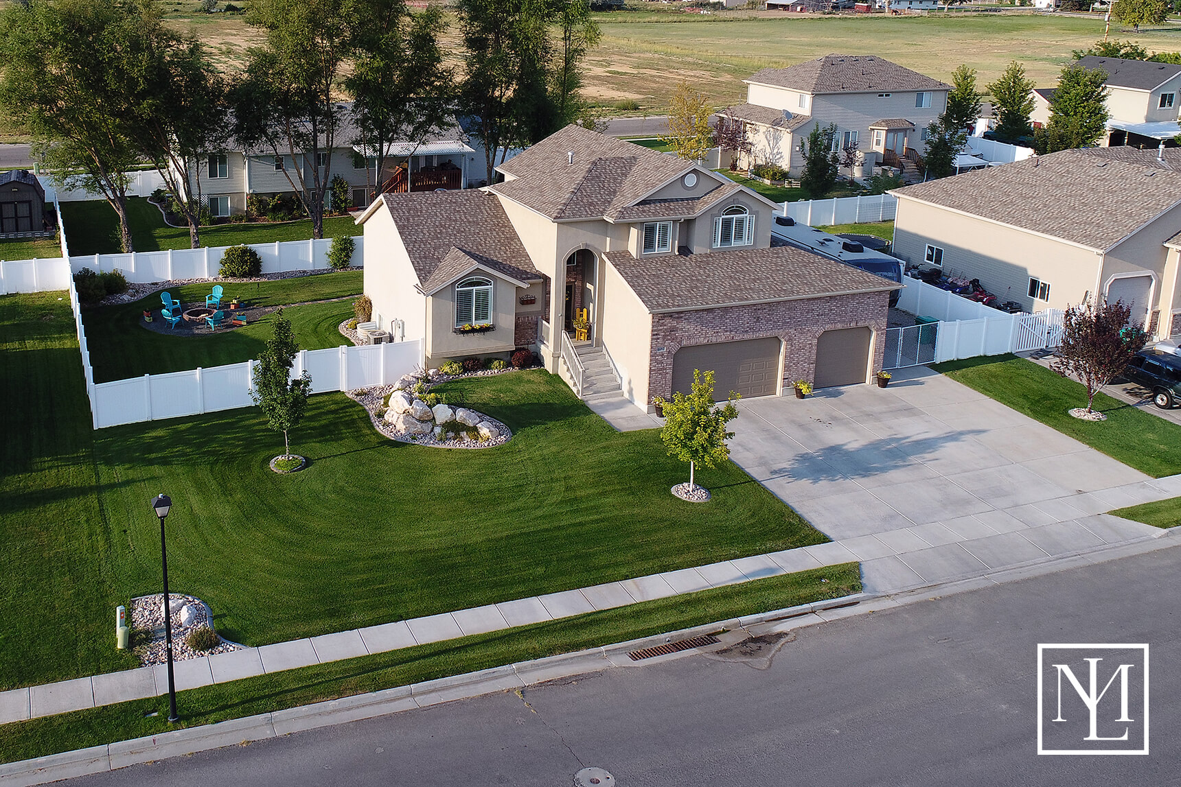 4692 W 250 N West Point Ut 84015 34