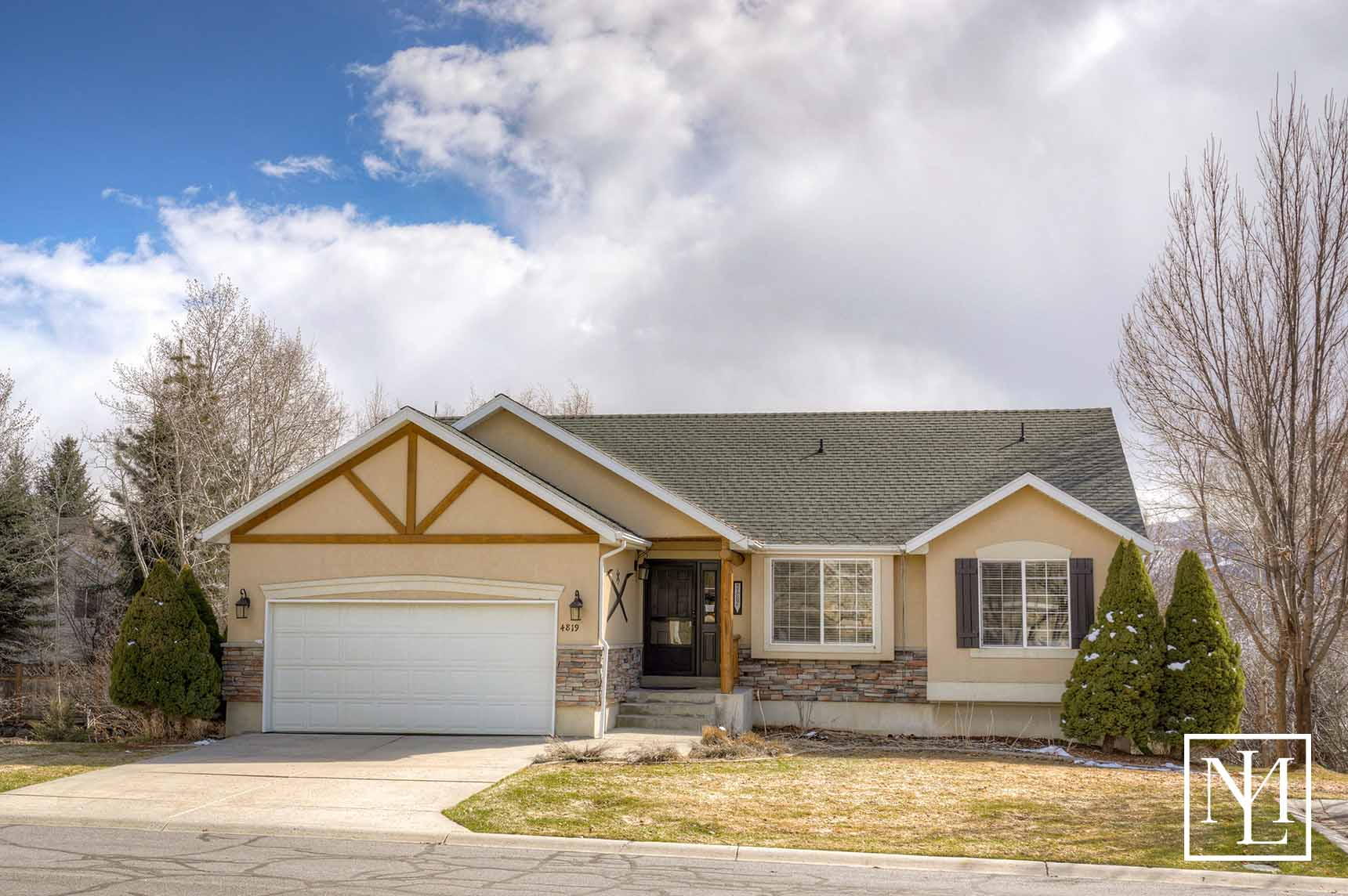 4819 E Fairway Oaks Dr Eden, UT 84310 100