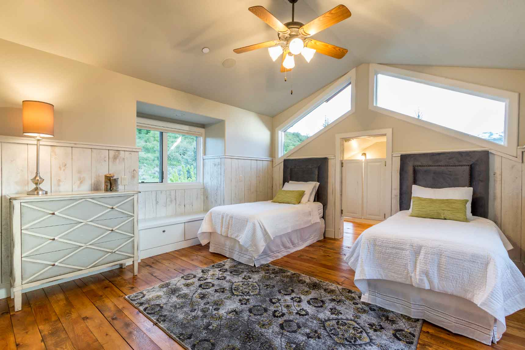 Staged bedroom how to stage a home what rooms to stage a home mountain luxury real estate