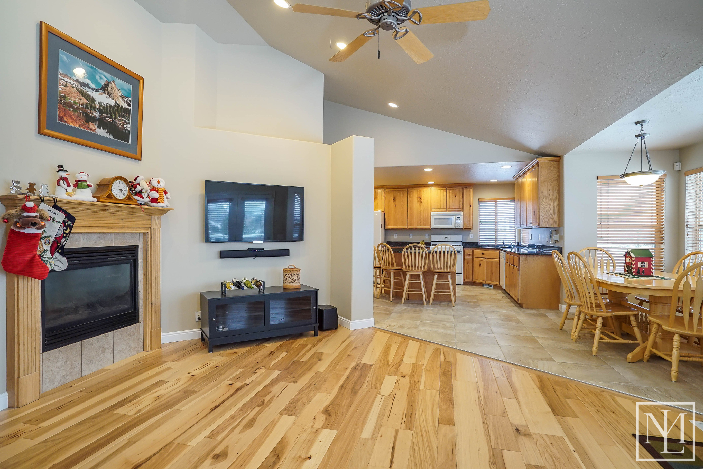 3424 N Foothill Lane Eden 6