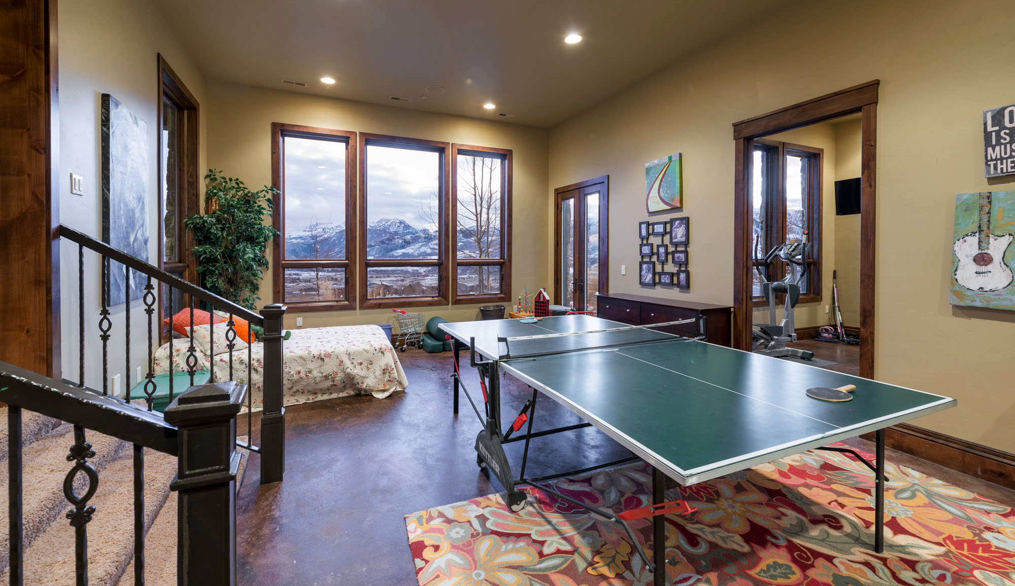 3571 Pineview Ct Family Room 2